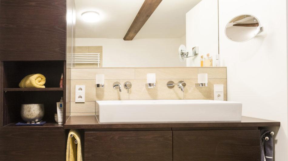 Referenz Dorfinstallateur Vollbad Badsanierung Waschtisch