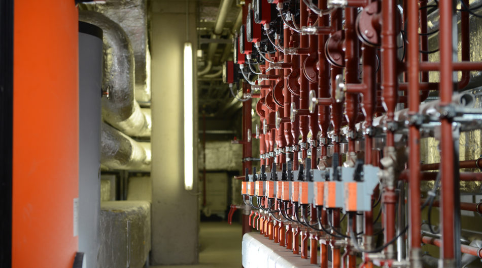 Referenz Dorfinstallateur arlberg1800 Chalet Suiten St. Christoph Heizung Technikraum