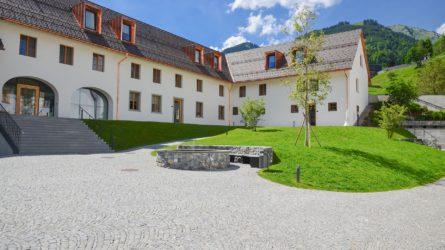 Referenz Dorfinstallateur Propstei St. Gerold Garten