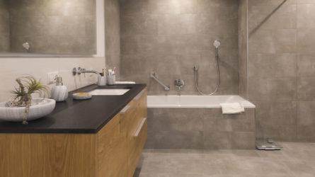 Referenz Dorfinstallateur Mehrfamilienhaus Feldkirch Bad Waschbecken Badewanne