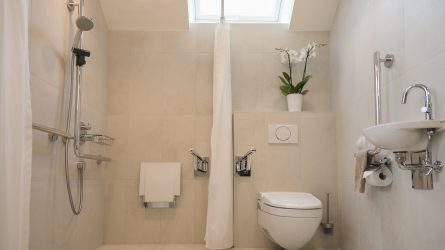 Referenz Dorfinstallateur Vollbad Badsanierung Dornbirn renoviertes Bad